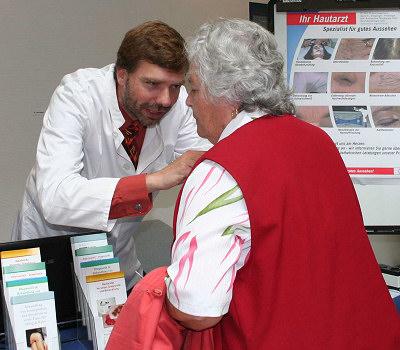 Dr. Uwe Schwichtenberg beim 1. Bremer Tag der ambulanten Medizin
